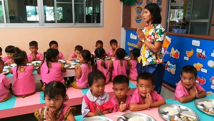 Food at both the Nong Plalai CDC and Wat Nong Ket Yai CDC meets all standards.