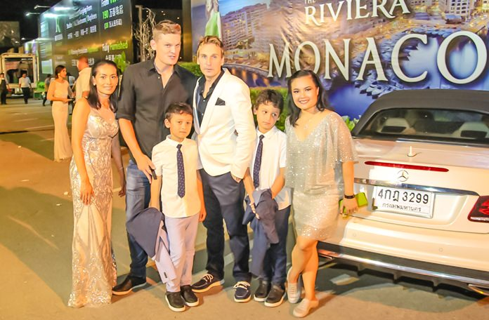 And what it night it was, the Gale family with Ubonjitr Thamchop (Min) (right) Marketing Manager of the Riviera Group.
