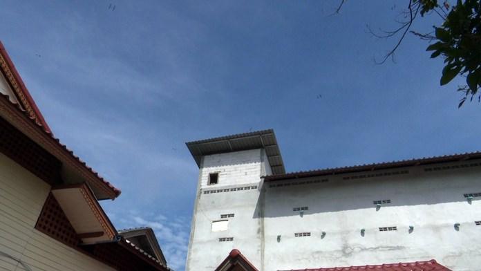 Nureeyoh built this 3-storey nesting house for 2 million baht.