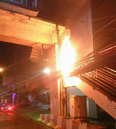 About 1,000 Pattaya residents were left without telephone landlines, internet, and cable-television for three days after wires caught fire near the Sawangfa Temple Bridge.