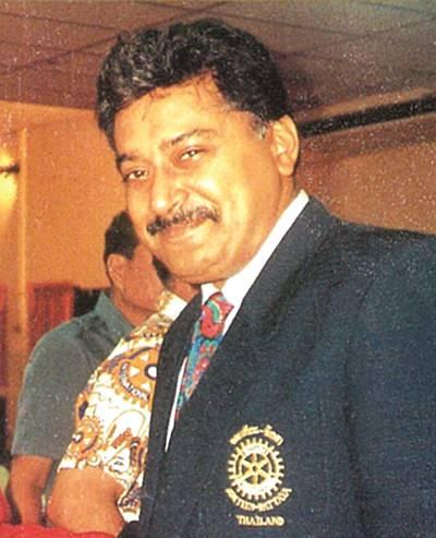 Peter Malhotra (1993).