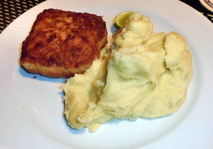 A simple cordon bleu with mashed potatoes.