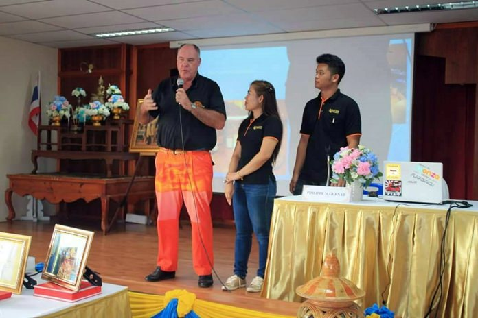 Philippe Guenat conducts regular training and mentoring seminars for the Bakri Cono team.