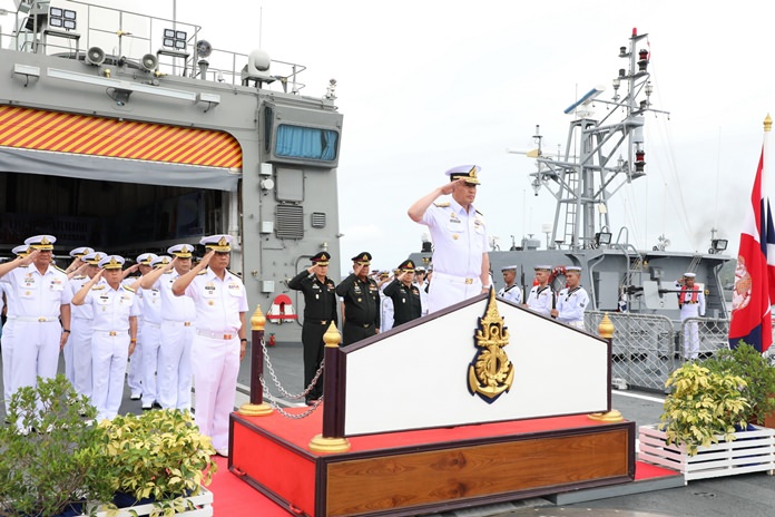 The Royal Thai Navy honored two of Thailand's top military leaders on their retirements with a 19-gun salute and a parade of patrol boats and warships.