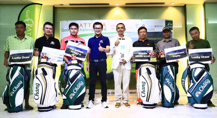 The six winners of the Pattana Golf Challenge 2018 pose for a group photo.