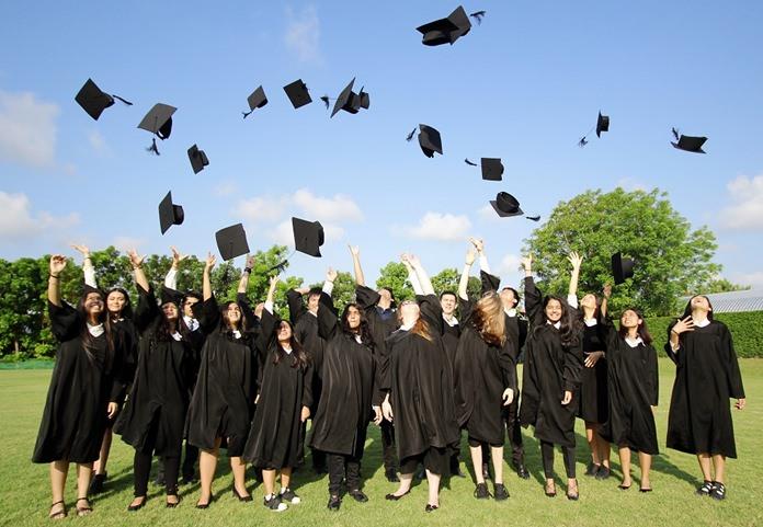 This group of IB Diploma students had a 100% pass rate!