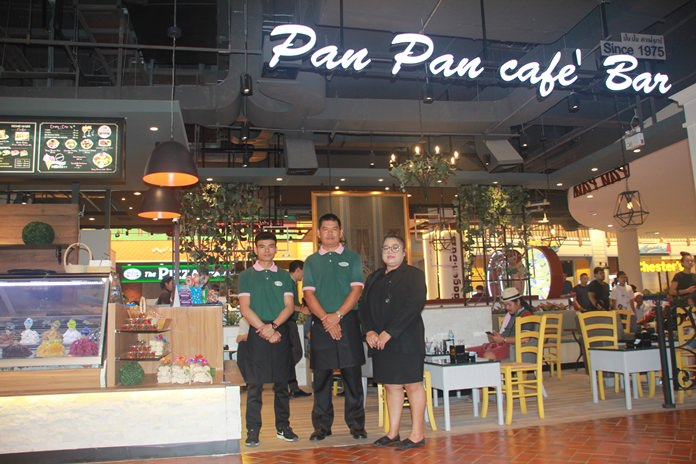 There are many famous restaurants on the third floor, including Pan Pan, Pattaya's original Italian restaurant that opened its first branch 43 years ago.