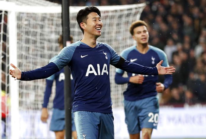 Tottenham Hotspur's Son Heung-Min celebrates after scoring his side's second goal during the English League Cup 4th round soccer match between West Ham United and Tottenham Hotspur at the London stadium in London, Wednesday, Oct. 31. (AP Photo/Alastair Grant)