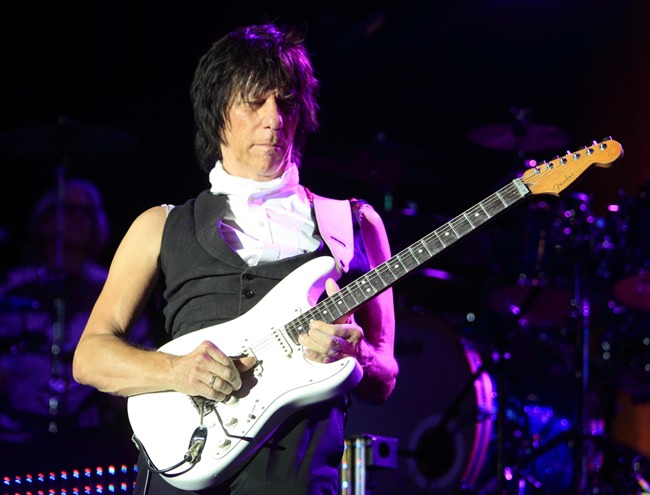 Jeff Beck performs in concert in this Oct. 6, 2013 file photo. (Owen Sweeney/Invision/AP Photo)