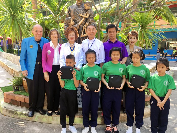 CP Dr Otmar, PP Dr Margret Deter, President Maneeya Engelking and Katie Taylor are received by Father Peter Pattarapong (3rd right) at the Pattaya Redemptorist School for the Blind.