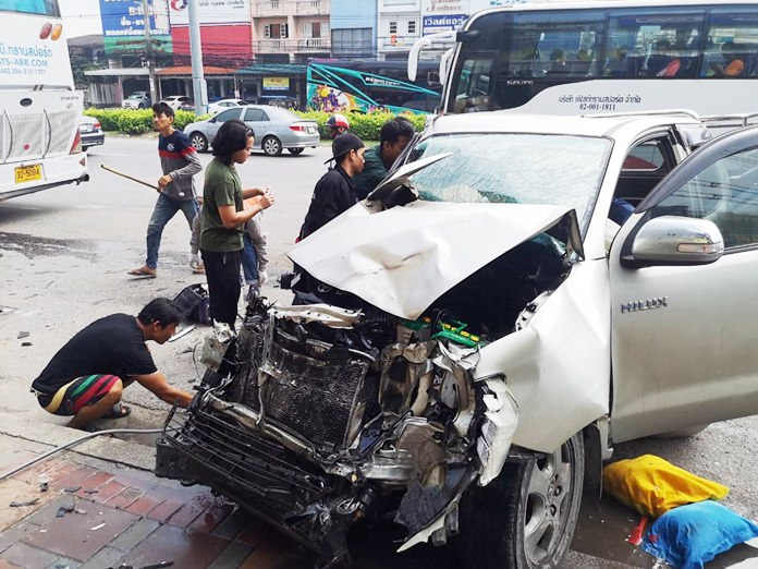 A father and his 5-year-old son were injured when their pickup truck rear-ended a minivan at a Sukhumvit Road U-turn.