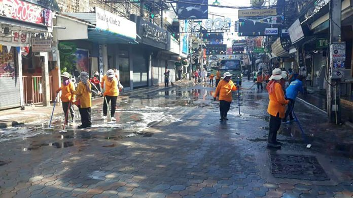 Pattaya's workers are being kept busy tidying the city, cutting grass, pruning trees and picking up garbage in many areas.