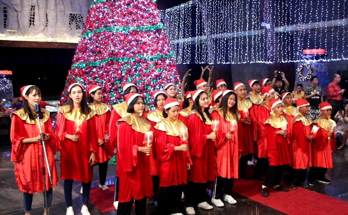 Children from the Father Ray Foundation warmed guests' hearts with their Christmas caroling.