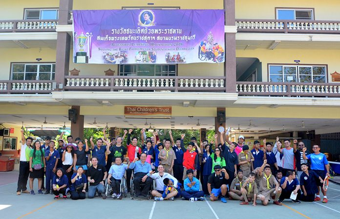 The Pattaya Tennis Lovers Club, Panamanian embassy and a host of sponsors donated clothing, food and snacks.