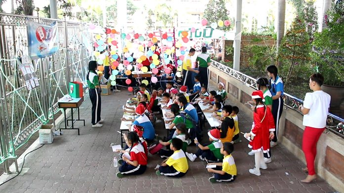 Maryvit School welcomed Santa Claus to Thailand with a Christmas Eve party.