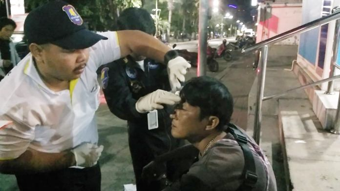 Pattaya police are hunting a man who attacked fruit vendor Wasan Kasuwan for supposedly having an affair with his wife.