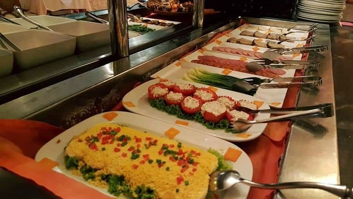 Delectable buffet offerings at L'Olivier Restaurant.