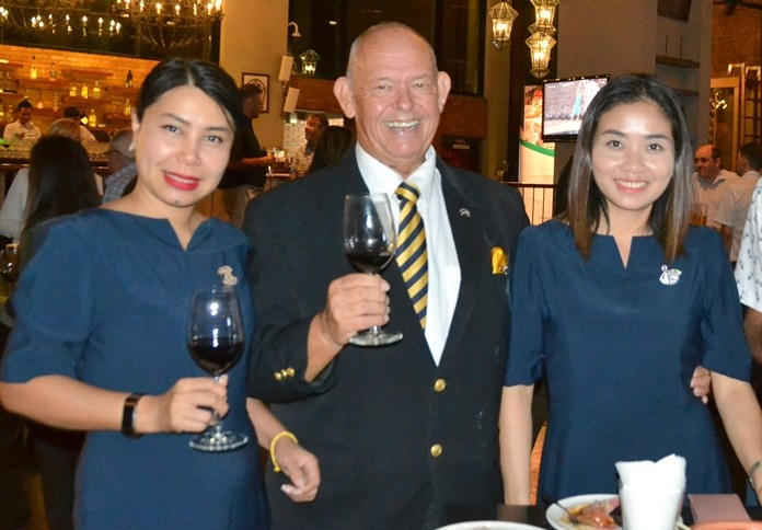 Rodney Charman, the charming roving photographer, is flanked by Wanarom Hiranprapakul and Pattheera Simmasakulpat – from Macallan Insurance Broker.