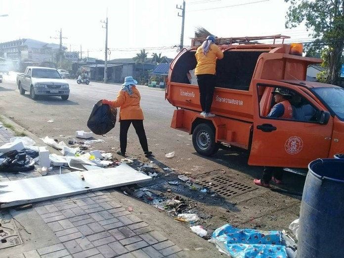 Pattaya sent extra trucks and equipment to pick up residual trash left behind by careless trash collectors on three area beaches.