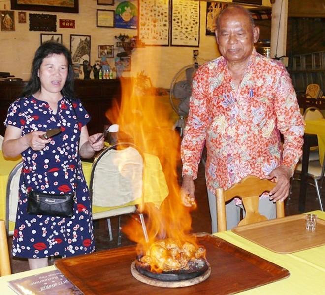 Somsak's famous flambé chicken.