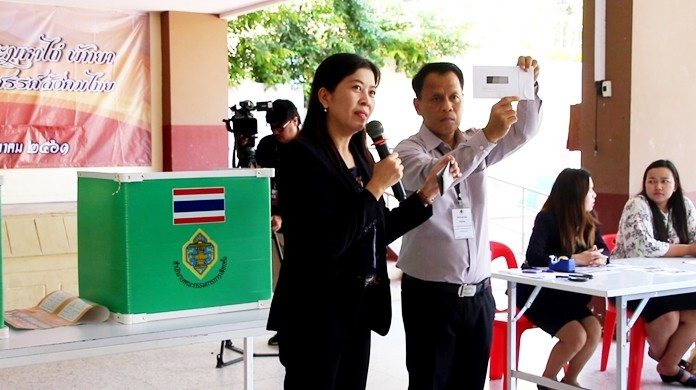 Baworn Moonsaku, the EC's director of Chonburi Constituency 6, set up a polling station at Redemptorist Technological College and educated students – most of whom had never voted before since Thailand's last election was in 2014 – on the dos and don'ts of casting ballots.