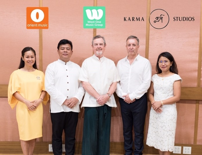 (From left) Annie Sawasdiraksa, PR and Marketing Manager West One Music Thailand; Somnuek Saeng-Arun, musicologist and specialist performer; Richard Harvey, West One Music co-founder and world class composer; Chris Craker, Karma Sound Studios founder and world renowned record producer; and Chamnongchit Harvey, Managing Director, Orient Music Co., Ltd)