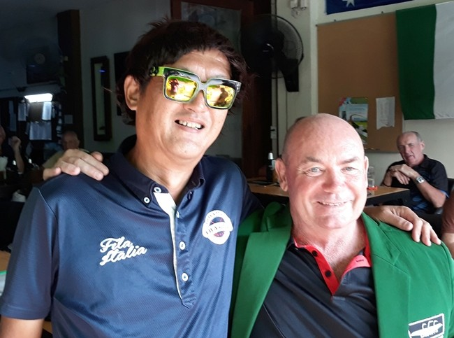 Mike Firkin (right) with a wig-wearing Masa Sugaya.