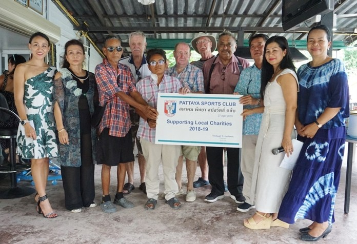 Somporn Manrien and Wasana Kaewkerd were given 24,000 baht for dialysis treatments.