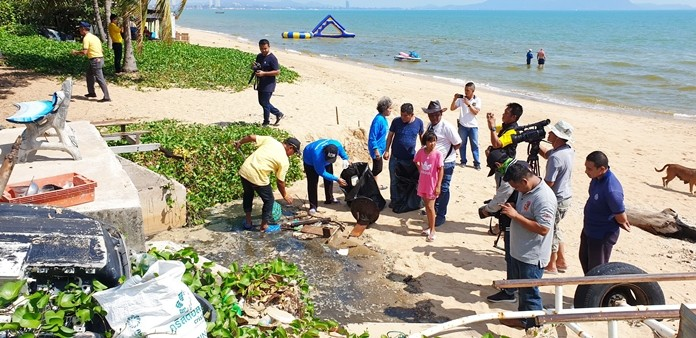Sattahip District Chief Anucha Intasorn said the sewage spill has been cleaned up.