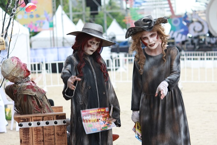 Ripley's Believe it or Not sent a pair of bewitching ambassadors to the event.