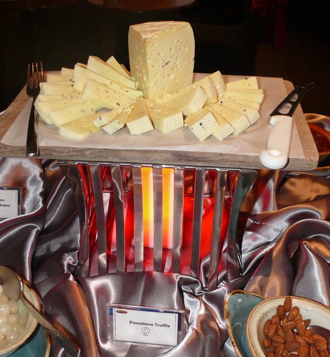 A very varied buffet did have many Australian items, but also some very enjoyable cheeses.
