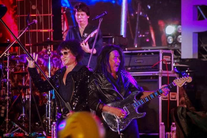 Rang Rockestra with guitar legend Lam Morrison.