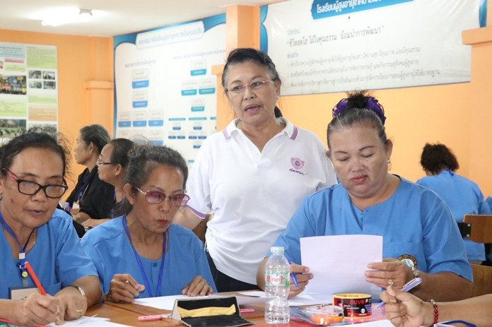 It was back to school for 52 Pattaya-area senior citizens who have started a two-year educational journey in Nongprue taught by Nongprue Councilwoman Siripen Lekdee.