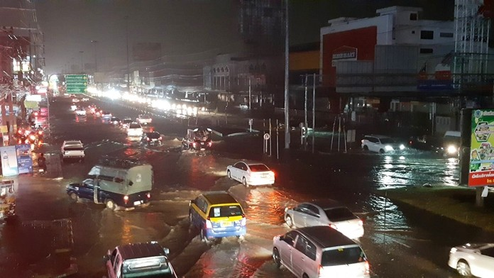 Rainy season has set in for the Pattaya area and the latest downpour brought the expected flooding.