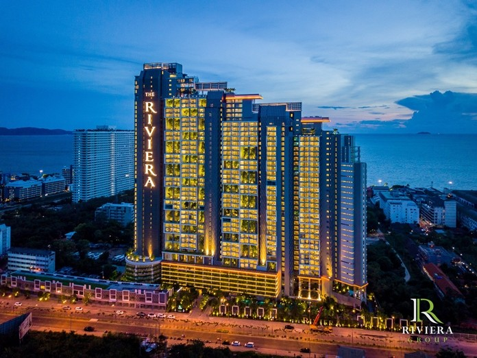 The Majestic Riviera Jomtien glows in the light of dusk casting her radiance over Pattaya and Jomtien.