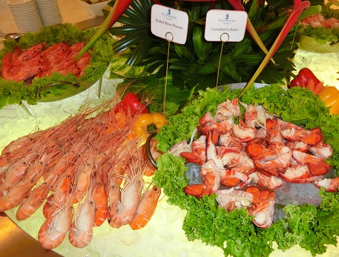 Boiled River Prawns and Canadian Lobster amongst the vast selection of seafood choices.