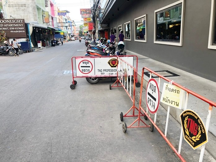 Barriers are shown outside a South Pattaya hotel shortly before they were removed on orders from the city officials.