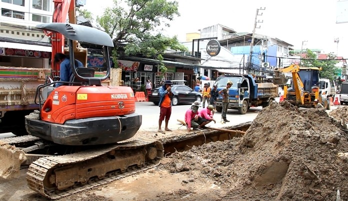 Road workers knocked out telephone and internet service to about 2,500 TOT customers when diggers cut communication the utility's trunk line on Central Road.