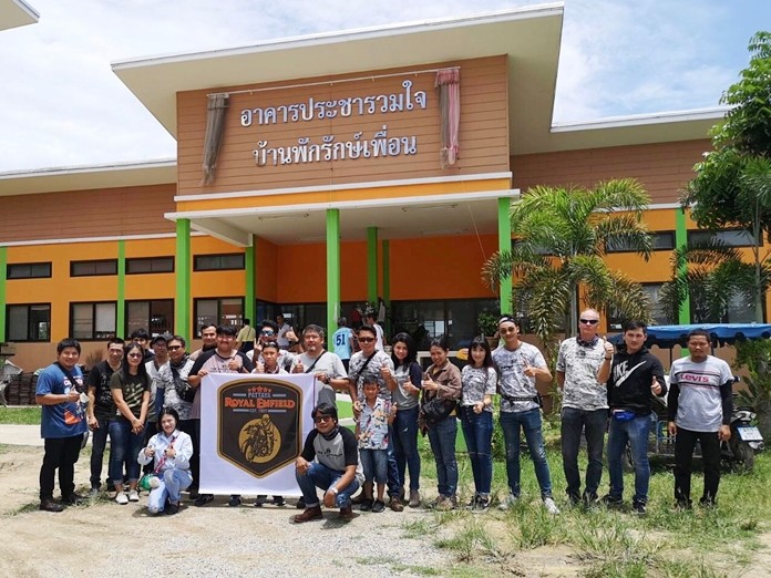 The Royal Enfield Pattaya Club rolled into Glory Hut Foundation bringing lunch and supplies.