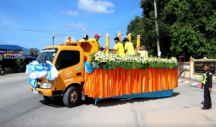 Pong celebrated the start of Buddhist Lent with a parade featuring hand-carved candles destined for four subdistrict temples.