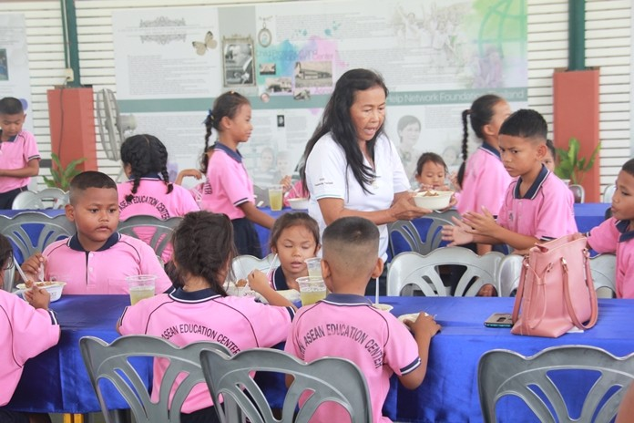 The guests hosted a birthday luncheon for Rattanachai and the children.