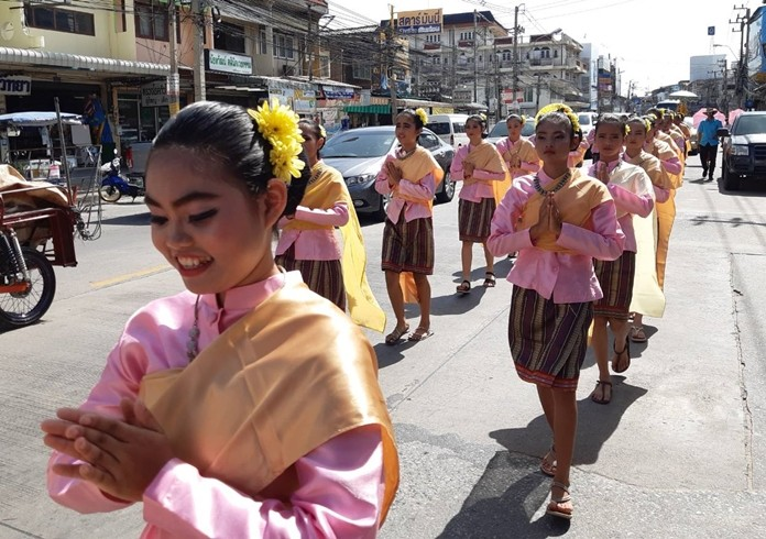 Students from Pattaya School No. 9 dress in their best traditional clothing as they march in the parade.