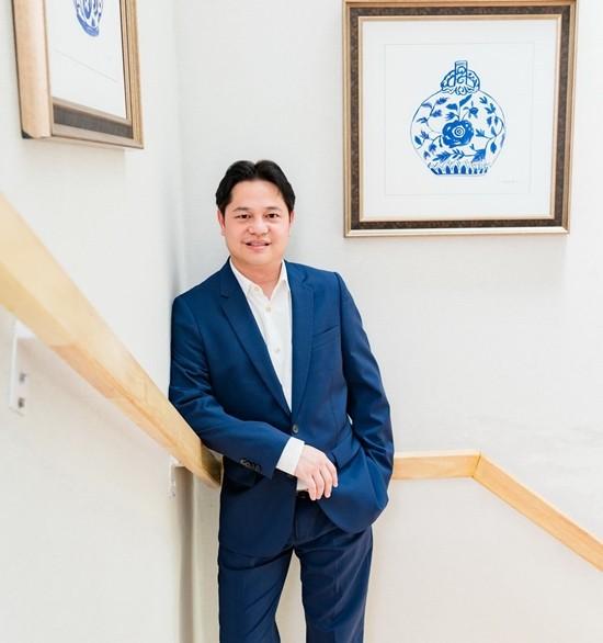 Napong Paripontpochanapisuti, MD of Ocean Property.