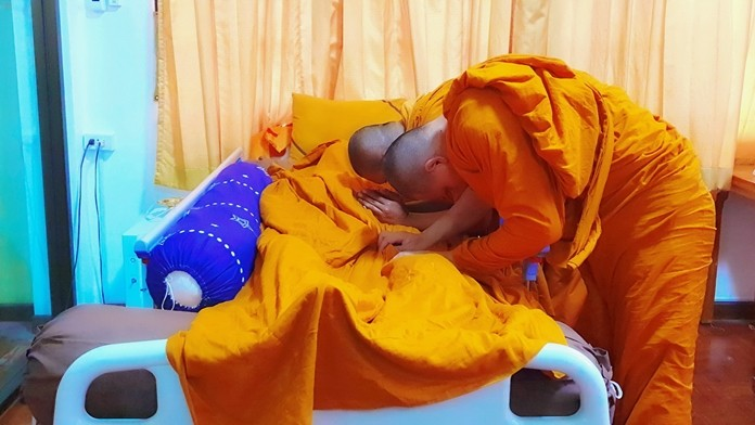 Beloved Abbot of Najomtien Temple, Pra Pipitchonladhamma, or Luang Po Lai Aponno, peacefully died of natural causes at 13.50 o'clock Sept. 19, at the age of 90 years and 9 months