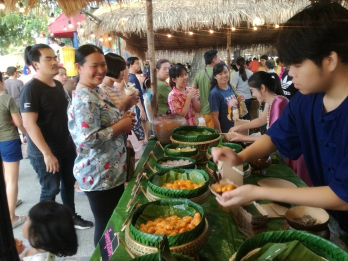 "Pelanchay Market is proving popular with locals and tourists alike and offers a 'step-back-in-time"" experience for shoppers, with Ayutthaya period costumes in abundance and traditional food and handmade craftwork on offer from the numerous stalls."