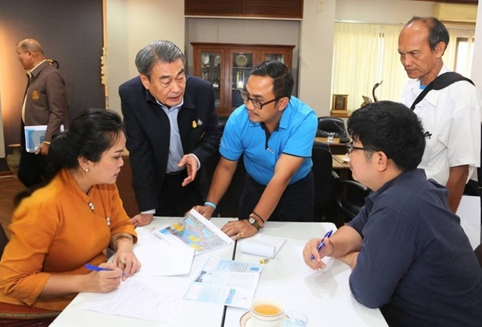 At a recent meeting at Pattaya City Hall, officials discussed plans for the budget required to fund the Provincial Waterworks Authority's laying an upgraded pipeline system and constructing new pumping stations to increase tap water distribution capacity in the Pattaya metropolitan area, Laem Chabang and Sriracha.