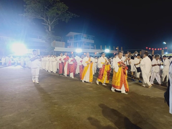 The Sawang Boriboon Thammasathan Foundation ended this year's Vegetarian Festival Oct. 7 with ceremonies to honor their ancestors and for the deceased with no living families.