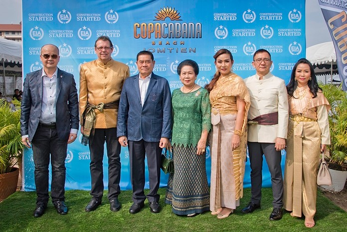 Guests of honor include former deputy prime minister of Thailand, Gen. Pracha Promnok (3rd left).