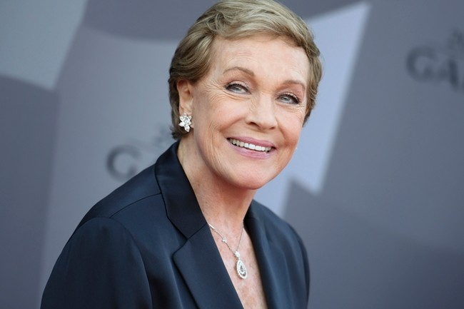 Actress Julie Andrews is shown in this Sept. 29, 2015 file photo. (Photo by Richard Shotwell/Invision/AP)