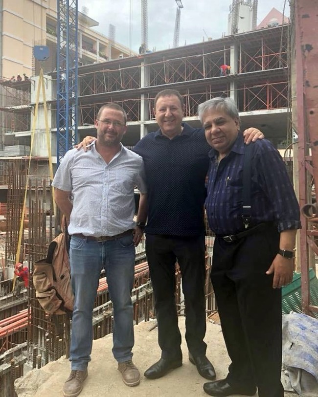 (L-R) Project Manager Gary Perfect, Rony Fineman and Kumar Harilela inspect one of the many joint projects in Pattaya.